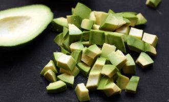 Салат с авокадо и фасолью (техасский новогодний салат)