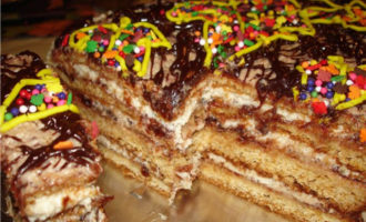 Медовый торт со сливовым повидлом