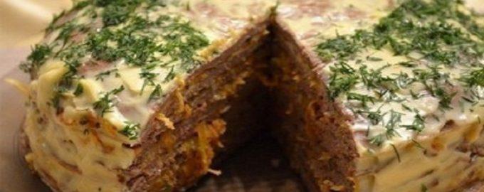 Закусочный торт из печени и кабачков