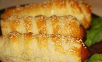 Сосиски в тесте с кунжутом