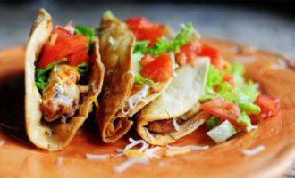 Классический Tacos (с мясом, соусом сальса и морской солью)