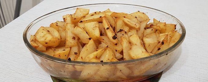 Картофель дольками запеченный в духовке рецепт с фото